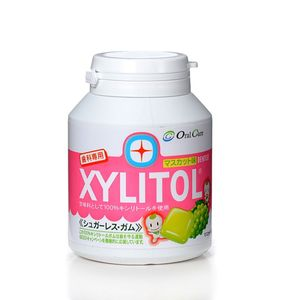 LOTTE XYLITOL Gum Bottle Type Muscat 90 tablets