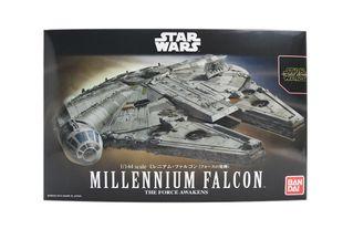BANDAI StarWars Millennium Falcon 1/144 Scale Model Kit